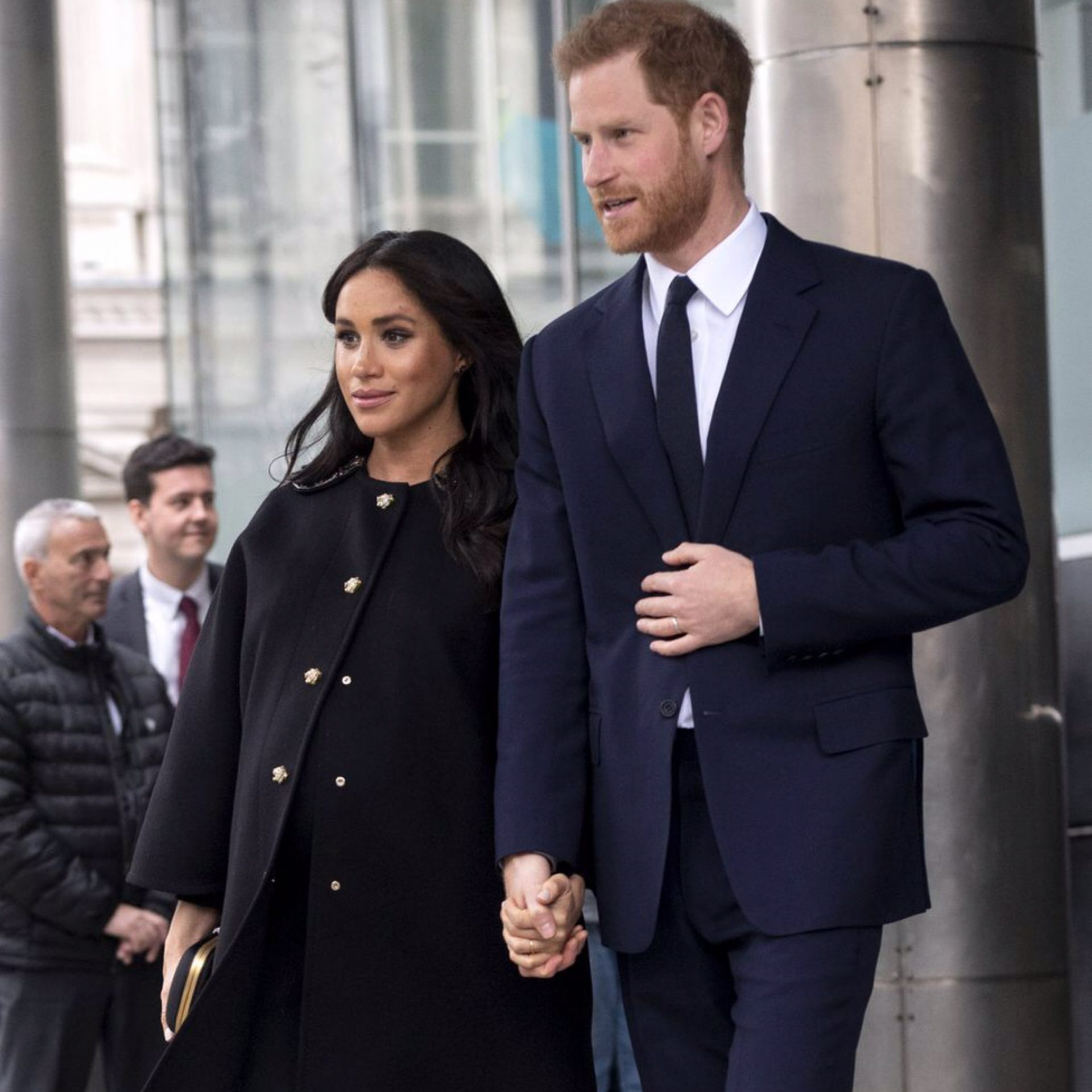 """It's A Boy!"" Putera Harry & Meghan Markle Sambut Anak"